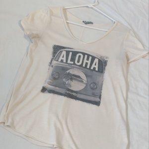 Ripcurl like new✨ beachy tshirt